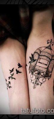 тату стая птиц №529 – достойный вариант рисунка, который удачно можно использовать для переделки и нанесения как тату стая птиц в небе