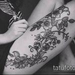 Фото Мехенди на бедре (Tattoo) (значение) - пример рисунка - 032 tatufoto.com