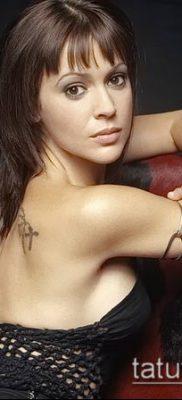 Фото Тату Алиссы Милано (Tattoo Alyssa) (значение) – пример рисунка – 001 tatufoto.com