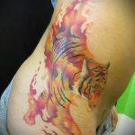 Фото Тату скрывающие растяжки (tattoo) (значение) - пример рисунка - 014 tatufoto.com