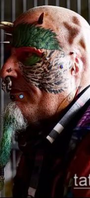 Фото Человек-попугай (Tattoo man-parrot) (значение) – пример рисунка – 008 tatufoto.com