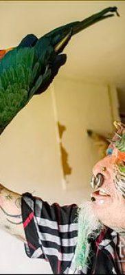 Фото Человек-попугай (Tattoo man-parrot) (значение) – пример рисунка – 027 tatufoto.com