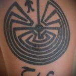 Фото тату лабиринт рисунок (Tattoo labyrin) (значение) - пример рисунка - 050 tatufoto.com
