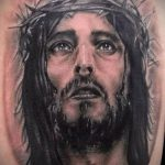 Фото тату Иисуса Христа №696 - интересный вариант рисунка, который хорошо можно использовать для доработки и нанесения как тату иисуса христа на запястье