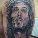 Фото тату Иисуса Христа №678 - достойный вариант рисунка, который успешно можно использовать для переработки и нанесения как тату иисуса христа на предплечье
