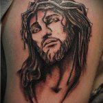 Фото тату Иисуса Христа №924 - интересный вариант рисунка, который успешно можно использовать для переработки и нанесения как тату иисуса христа на спине