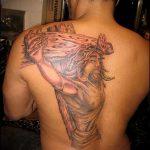 Фото тату Иисуса Христа №607 - достойный вариант рисунка, который удачно можно использовать для переработки и нанесения как тату иисуса христа на спине
