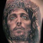 Фото тату Иисуса Христа №635 - эксклюзивный вариант рисунка, который удачно можно использовать для переработки и нанесения как тату иисуса христа на предплечье