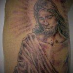 Фото тату Иисуса Христа №505 - уникальный вариант рисунка, который успешно можно использовать для переделки и нанесения как тату иисуса христа на запястье
