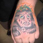 Фото тату Иисуса Христа №722 - крутой вариант рисунка, который хорошо можно использовать для преобразования и нанесения как тату иисуса христа на спине