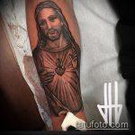 Фото тату Иисуса Христа №767 - классный вариант рисунка, который легко можно использовать для переделки и нанесения как тату иисуса христа на плече