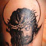 Фото тату Иисуса Христа №304 - достойный вариант рисунка, который хорошо можно использовать для преобразования и нанесения как тату иисуса христа в кресте