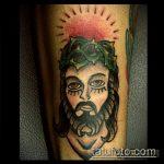 Фото тату Иисуса Христа №686 - крутой вариант рисунка, который успешно можно использовать для переработки и нанесения как тату иисуса христа на груди