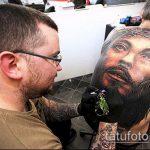 Фото тату Иисуса Христа №843 - интересный вариант рисунка, который легко можно использовать для переработки и нанесения как тату иисуса христа и дьявола