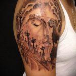 Фото тату Иисуса Христа №843 - достойный вариант рисунка, который легко можно использовать для переделки и нанесения как тату иисуса христа на запястье
