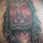 Фото тату Иисуса Христа №979 - интересный вариант рисунка, который легко можно использовать для доработки и нанесения как тату иисуса христа за столом