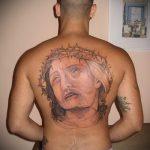 Фото тату Иисуса Христа №518 - классный вариант рисунка, который хорошо можно использовать для доработки и нанесения как тату иисуса христа на груди
