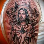 Фото тату Иисуса Христа №247 - интересный вариант рисунка, который легко можно использовать для преобразования и нанесения как тату иисуса христа на спине