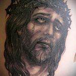 Фото тату Иисуса Христа №304 - эксклюзивный вариант рисунка, который удачно можно использовать для доработки и нанесения как тату иисуса христа на боку