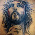 Фото тату Иисуса Христа №111 - классный вариант рисунка, который успешно можно использовать для переработки и нанесения как тату иисуса христа на груди