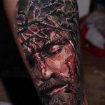 Фото тату Иисуса Христа №911 - крутой вариант рисунка, который успешно можно использовать для доработки и нанесения как тату иисуса христа и дьявола