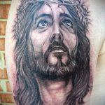 Фото тату Иисуса Христа №234 - крутой вариант рисунка, который легко можно использовать для переделки и нанесения как тату иисуса христа на боку