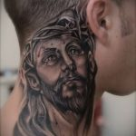 Фото тату Иисуса Христа №227 - прикольный вариант рисунка, который удачно можно использовать для доработки и нанесения как тату иисуса христа в кресте