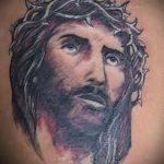 Фото тату Иисуса Христа №140 - прикольный вариант рисунка, который успешно можно использовать для переработки и нанесения как тату иисуса христа на предплечье