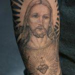 Фото тату Иисуса Христа №777 - эксклюзивный вариант рисунка, который успешно можно использовать для переделки и нанесения как тату иисуса христа в кресте
