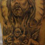 Фото тату Иисуса Христа №470 - интересный вариант рисунка, который хорошо можно использовать для преобразования и нанесения как тату иисуса христа на груди