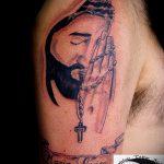 Фото тату Иисуса Христа №603 - прикольный вариант рисунка, который удачно можно использовать для доработки и нанесения как тату иисуса христа на боку