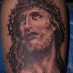 Фото тату Иисуса Христа №12 - интересный вариант рисунка, который хорошо можно использовать для переработки и нанесения как тату иисуса христа на запястье