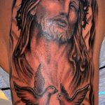 Фото тату Иисуса Христа №491 - достойный вариант рисунка, который легко можно использовать для переработки и нанесения как тату иисуса христа на груди