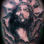 Фото тату Иисуса Христа №840 - интересный вариант рисунка, который легко можно использовать для переделки и нанесения как тату иисуса христа на спине