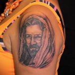 Фото тату Иисуса Христа №983 - крутой вариант рисунка, который удачно можно использовать для доработки и нанесения как тату иисуса христа на груди