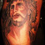 Фото тату Иисуса Христа №922 - интересный вариант рисунка, который хорошо можно использовать для преобразования и нанесения как тату иисуса христа на груди