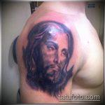 Фото тату Иисуса Христа №368 - эксклюзивный вариант рисунка, который легко можно использовать для доработки и нанесения как тату иисуса христа на боку