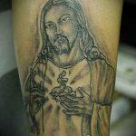 Фото тату Иисуса Христа №829 - достойный вариант рисунка, который легко можно использовать для доработки и нанесения как тату иисуса христа в кресте