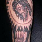 Фото тату Иисуса Христа №78 - достойный вариант рисунка, который успешно можно использовать для доработки и нанесения как тату иисуса христа в кресте