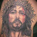 Фото тату Иисуса Христа №552 - эксклюзивный вариант рисунка, который успешно можно использовать для переделки и нанесения как тату иисуса христа на боку