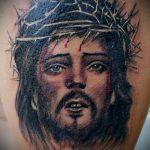Фото тату Иисуса Христа №979 - интересный вариант рисунка, который легко можно использовать для преобразования и нанесения как тату иисуса христа в кресте