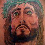 Фото тату Иисуса Христа №688 - эксклюзивный вариант рисунка, который легко можно использовать для переделки и нанесения как тату иисуса христа на запястье