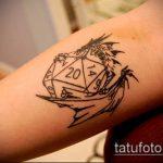 Фото тату игральные кости №726 - классный вариант рисунка, который успешно можно использовать для переделки и нанесения как tattoo игральные кости