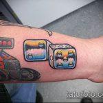 Фото тату игральные кости №998 - эксклюзивный вариант рисунка, который успешно можно использовать для переделки и нанесения как тату игральные кости и карты