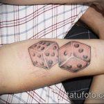 Фото тату игральные кости №753 - достойный вариант рисунка, который легко можно использовать для переработки и нанесения как tattoo игральные кости