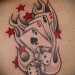 Фото тату игральные кости №366 - прикольный вариант рисунка, который хорошо можно использовать для преобразования и нанесения как тату игральные кости и клевер