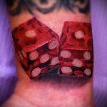 Фото тату игральные кости №464 - достойный вариант рисунка, который удачно можно использовать для переработки и нанесения как тату игральные кости и карты