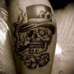 Фото тату игральные кости №307 - эксклюзивный вариант рисунка, который удачно можно использовать для переработки и нанесения как тату игральные кости на запястье