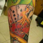 Фото тату игральные кости №36 - классный вариант рисунка, который успешно можно использовать для доработки и нанесения как тату игральные кости на запястье