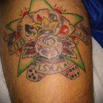 Фото тату игральные кости №13 - уникальный вариант рисунка, который удачно можно использовать для переработки и нанесения как игральные кости тату на шее